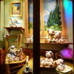 【TDS】ダッフィーとゴッホのコラボ!隠れミッキー満載のショーウィンドウ